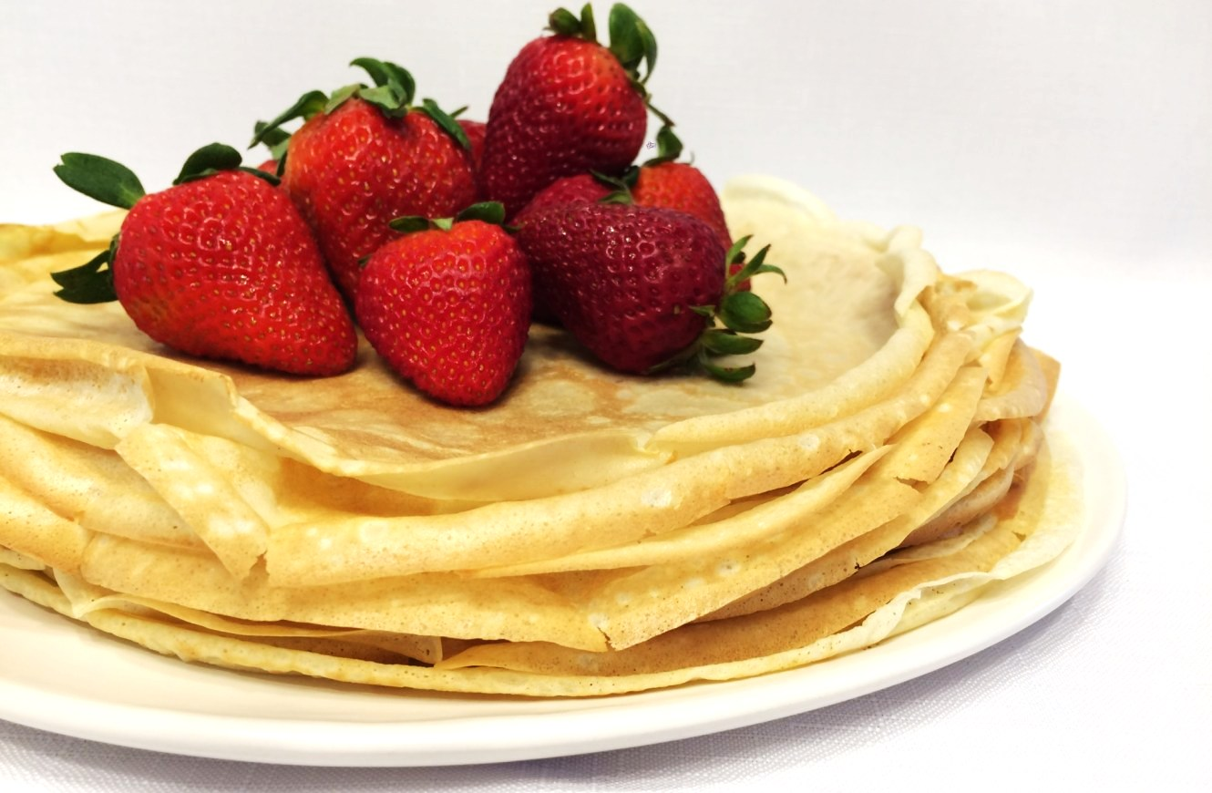 French Crepes by chef Philippe is another proof of the French authenticity – the original taste of French crepes. They are a real hit among crepes! You will make them again and again. It is guaranteed! Crepe Recipe #crepes #desserts #dessertfoodrecipes #partyideas #yummy #yummyfood   Full recipe at www.bakinglikeachef.com