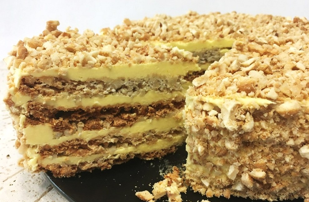 Layer cake Sans Rival is a cashew loaded cake made of meringue and French buttercream. The stature of the cake is astonishing and the taste is heavenly delicious. It is worth making and sharing with your family and friends. You will be asked for the recipe! Cake Recipes; Meringue Recipe #cake #cakerecipes #layercake #dessertfoodrecipes #desserts #dessertrecipes #cakerecipes #yummy #yummyfood #yummycakes #birthdaycake   Full recipe at www.bakinglikeachef.com